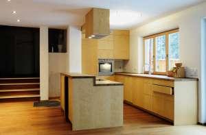 Küche mit Kochinsel auf
